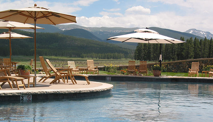 devils-thumb-ranch-pool_680x392